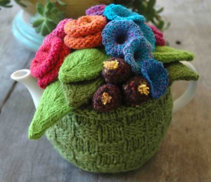 garden_party_knitted_tea_cosy